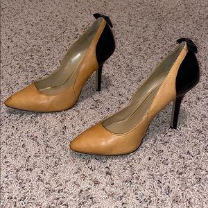 Jessica Simpson Tan/Black Heels w/Bows